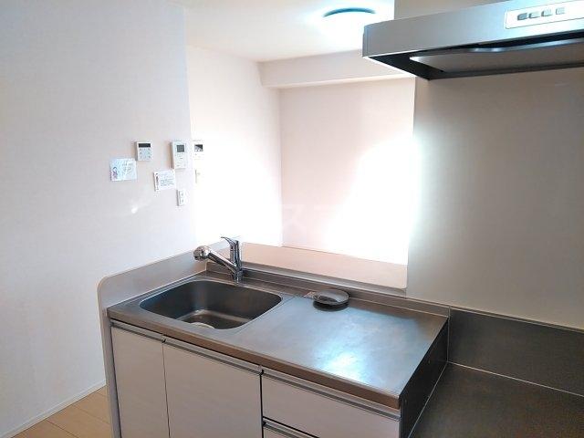ティアラ A 208号室のキッチン