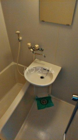 ステラ緑町 202号室の洗面所