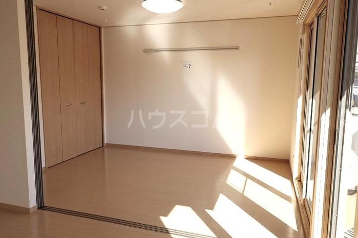 グランシャリオ 101号室のベッドルーム