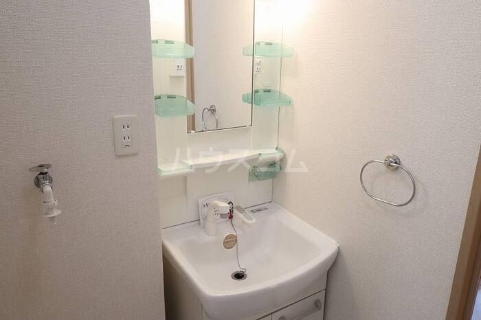 グランシャリオ 101号室の洗面所