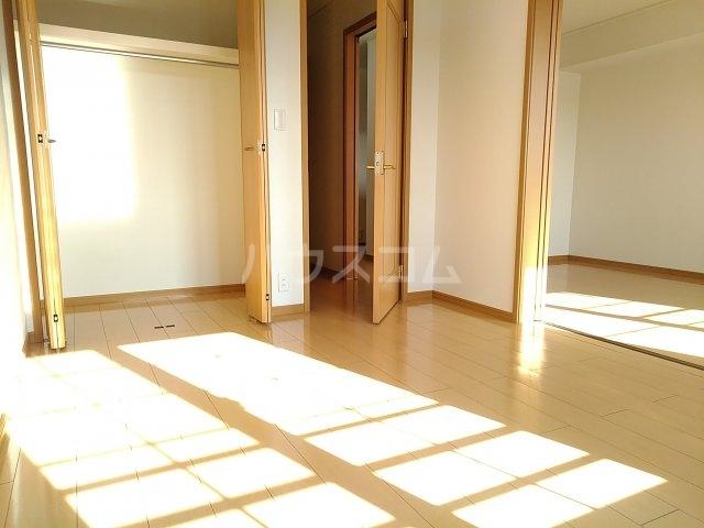 エアリーヒルi C 02020号室の居室