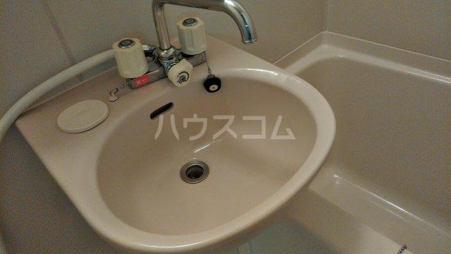 フローラル321 205号室の洗面所