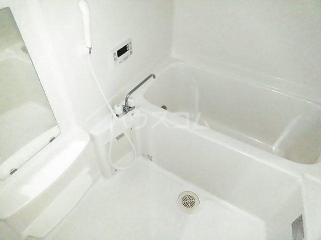 Lumiere・S(ルミエール・エス) 102号室の風呂