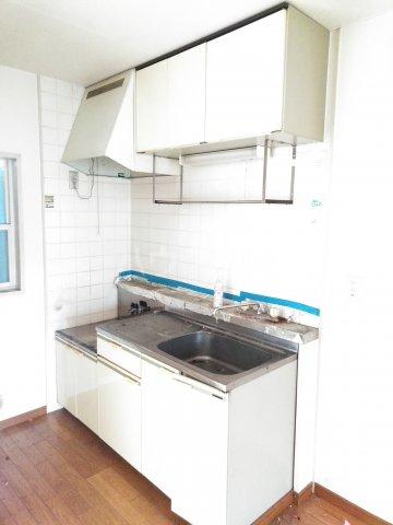 フリーダム A 202号室のキッチン