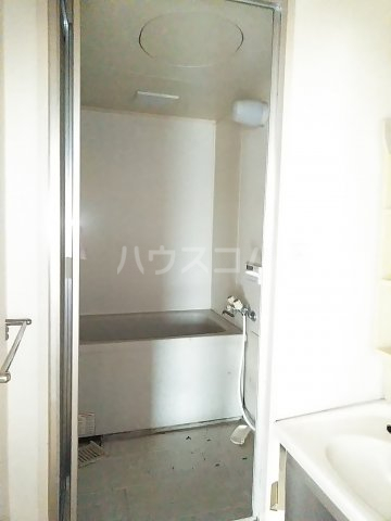 フリーダム A 202号室の風呂