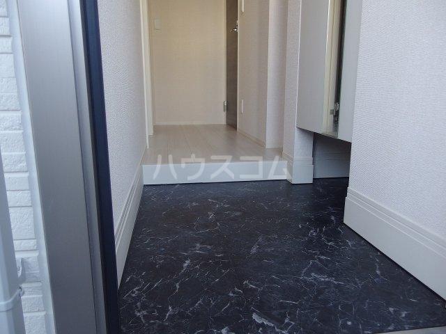 グランメール 103号室の玄関