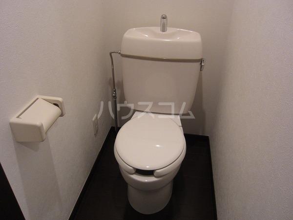 ベルボナール 101号室のトイレ