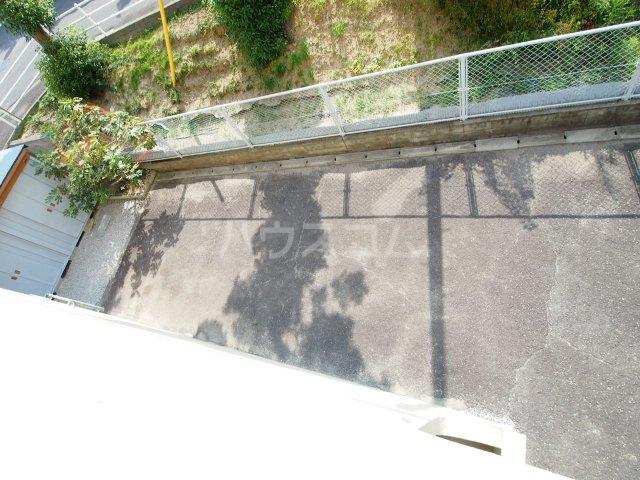 サクラハイツ 201号室の駐車場