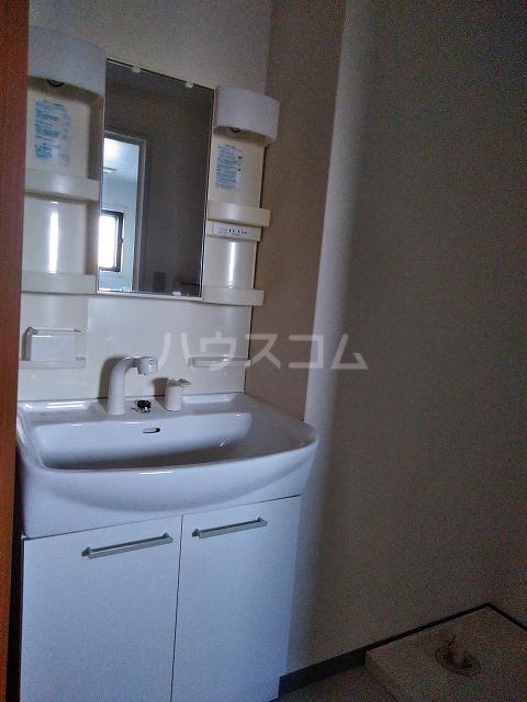 ボナール木太 302号室の洗面所