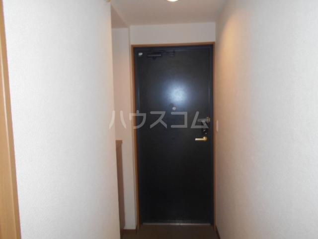 ベルコート 207号室の玄関