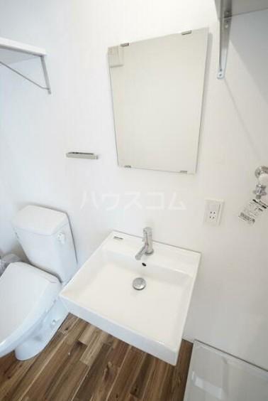 フォレスタ雪谷 202号室の洗面所