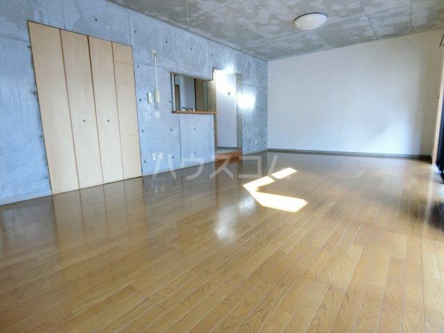 リヴェルシーデ 01号室のリビング