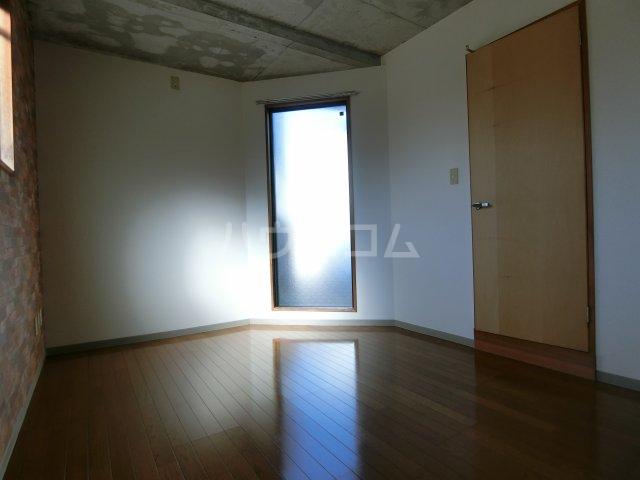 リヴェルシーデ 01号室の居室