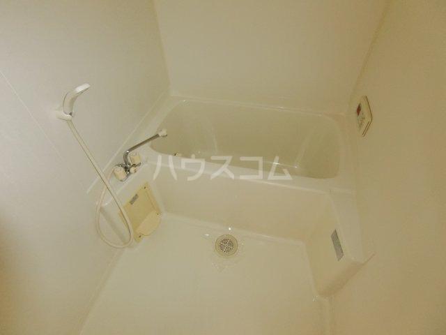 リヴェルシーデ 01号室の風呂