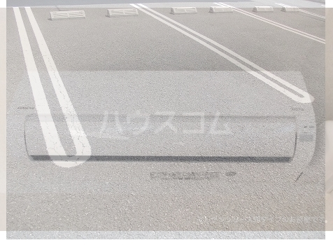 ビ・オーラ城南 01040号室の駐車場