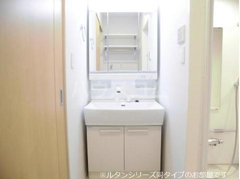 ビ・オーラ城南 02030号室の洗面所