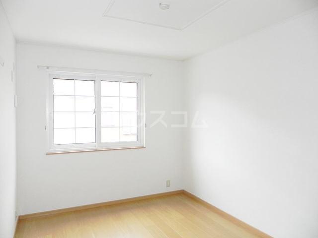 ポニーヒルズ D 01020号室のベッドルーム