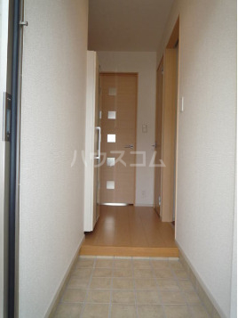パークサイドエイシュウ Ⅲ 01010号室の玄関