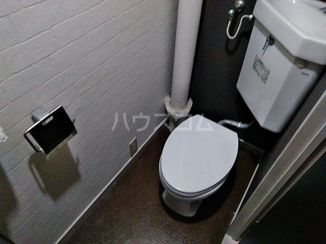 石井マンション 106号室のトイレ