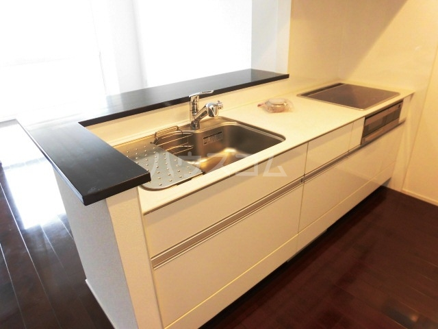 コモド覚王山 302号室のキッチン