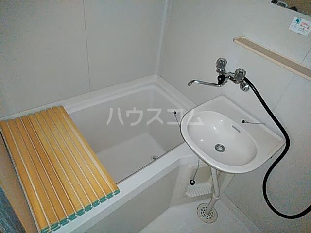 ロイヤルコーポ幸 A 101号室の風呂