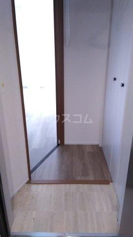 ビューノ ル・レーヴ 201号室の玄関