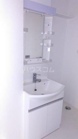 ビューノ ル・レーヴ 201号室の洗面所