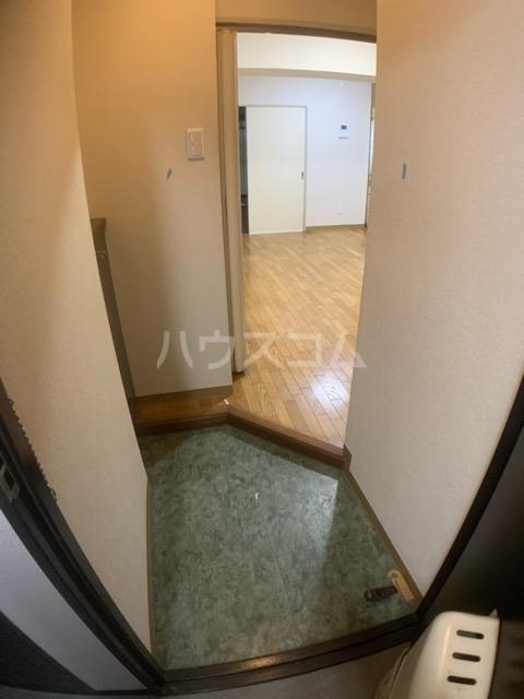 クレール中山 704号室の玄関