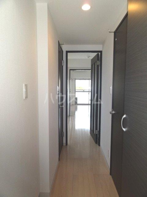 コンフォール亀有 701号室の玄関
