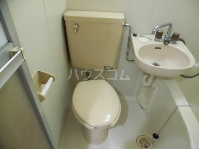 アークハイツ成増 308号室のトイレ