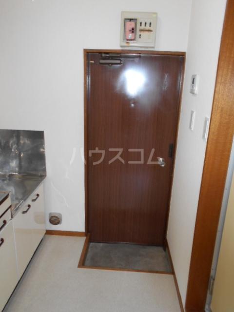 さくら荘 203号室の玄関
