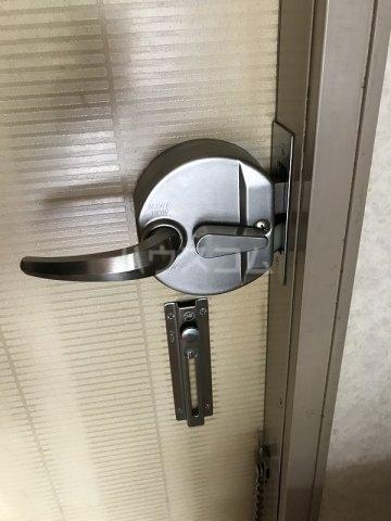 スカイハイツ高砂A棟 203号室の玄関