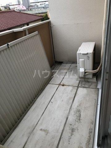 スカイハイツ高砂A棟 203号室のバルコニー