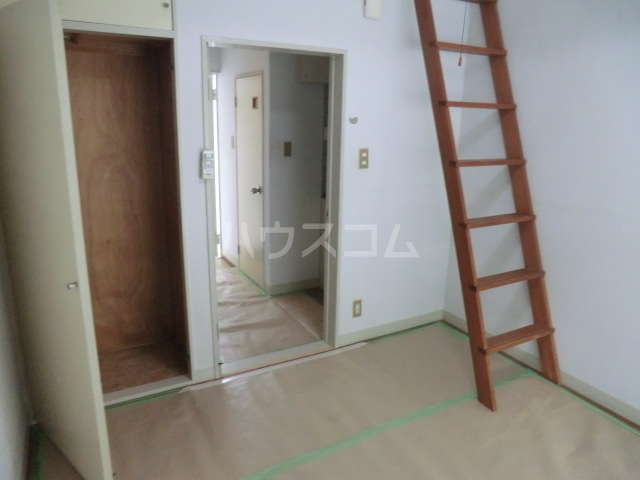 M8 202号室の居室