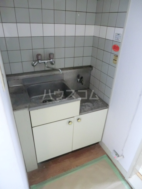 M8 202号室のキッチン