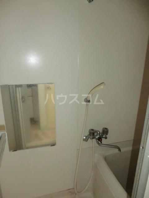M8 202号室の洗面所