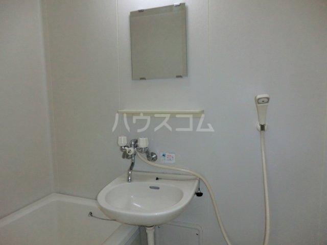 エクサⅡ 101号室の洗面所