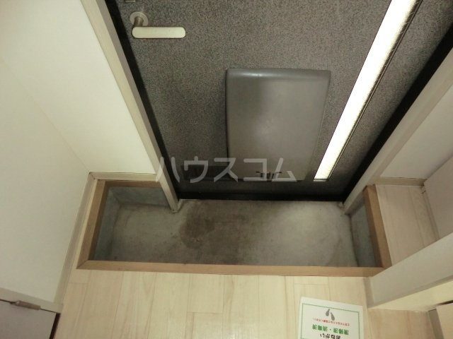 エクサⅡ 101号室の玄関