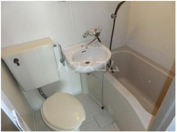 シェ・モワ烏山 206号室の風呂