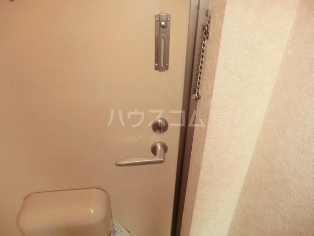 イワサレジデンス B棟 105号室の玄関