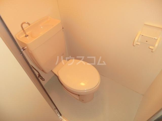 イワサレジデンス B棟 105号室のトイレ