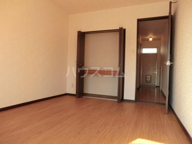 イワサレジデンス B棟 105号室のベッドルーム