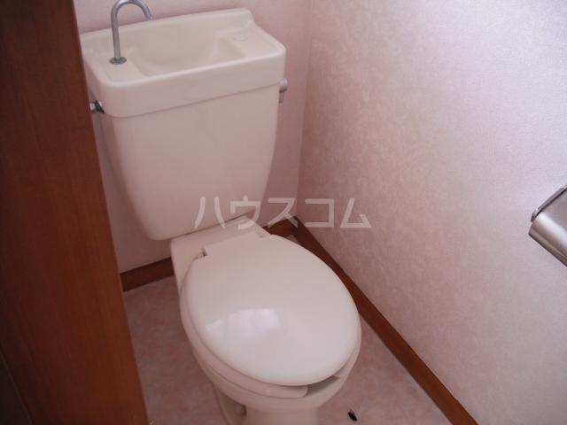 ユーモレスク市川NO1 102号室のトイレ
