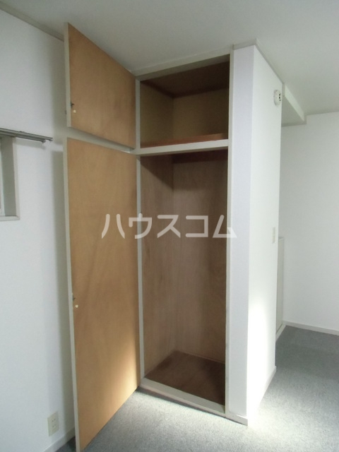 BMハイツ 102号室の収納