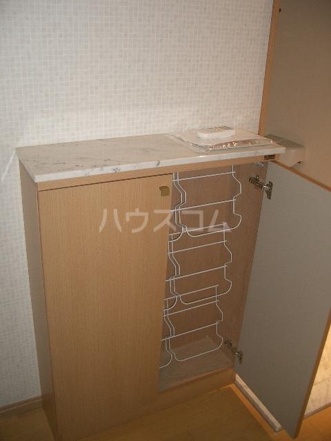 ビラ・アリックス赤塚 201号室の玄関