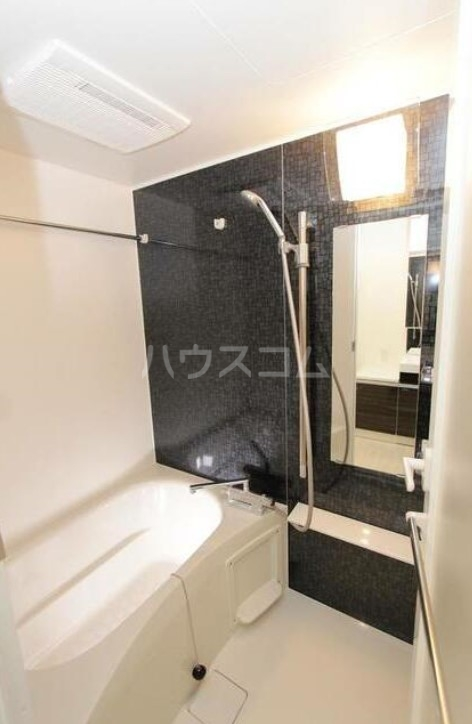 スカイコート成城学園前 102号室の風呂