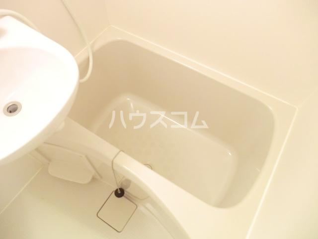 グレイスシールド烏丸 103号室の風呂