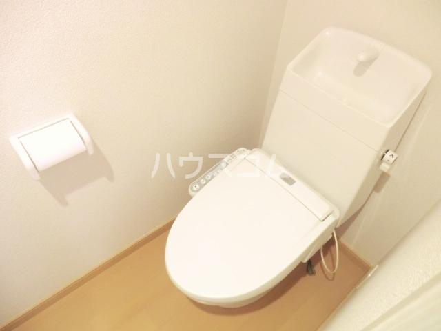 グレイスシールド烏丸 103号室のトイレ