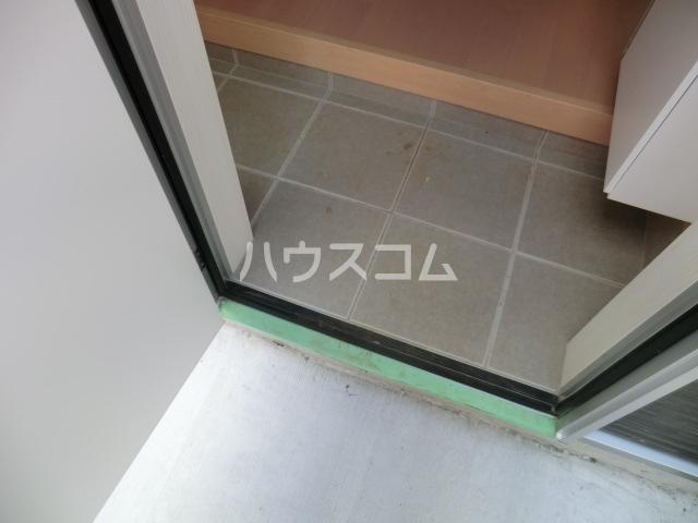 グレイスシールド烏丸 103号室の玄関
