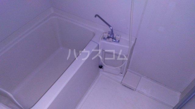 ソレイユ市川 503号室の風呂